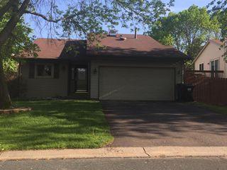 1370 Viewcrest Rd, Saint Paul, MN 55126