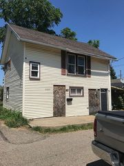 2305 8th St NW, Canton, OH 44708