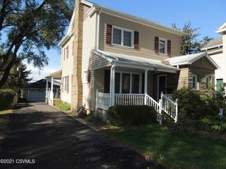 334 S Market St, Selinsgrove, PA 17870