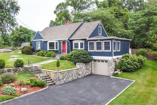 8 Clover Hill Dr, Stamford, CT 06902