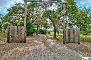 201 Redberry Rd, Seguin, TX 78155