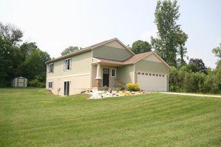 14747 Crescent Meadows Dr, Cedar Springs, MI 49319