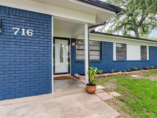 716 W Cedar St, Hurst, TX 76053
