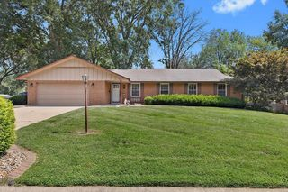 32 Tumbleweed Dr, Belleville, IL 62221