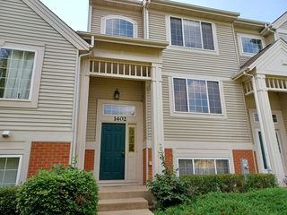 1402 New Haven Dr, Cary, IL 60013