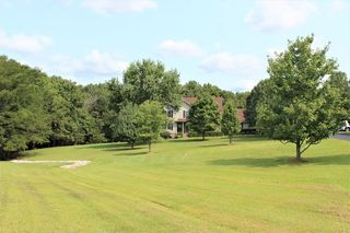 2736 Woodburn Hay Rd, Hopkinsville, KY 42240