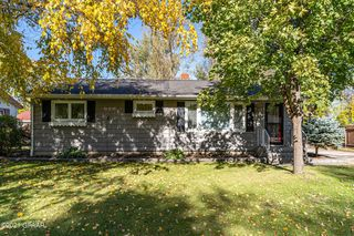 1104 20th St NW, East Grand Forks, MN 56721