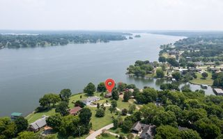 3215-3215B Lakeshore Dr, Old Hickory, TN 37138