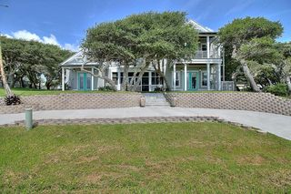1667 N Fulton Beach Rd, Rockport, TX 78382