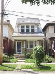 303 3rd St, Oakmont, PA 15139