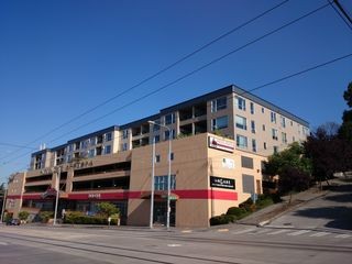 321 10th Ave S #607, Seattle, WA 98104