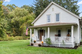 90 County Rd, Marion, MA 02738