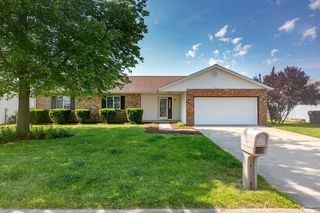 324 Erin Dr, Fairview Heights, IL 62208