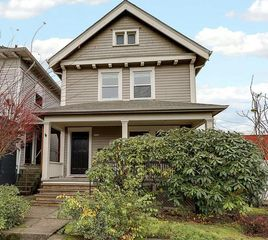 3136 E Burnside St, Portland, OR 97214