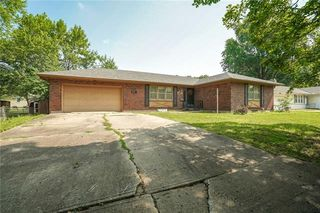 110 NW Redwing Dr, Lees Summit, MO 64063