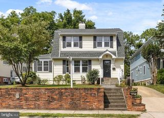 7006 Georgia St, Chevy Chase, MD 20815