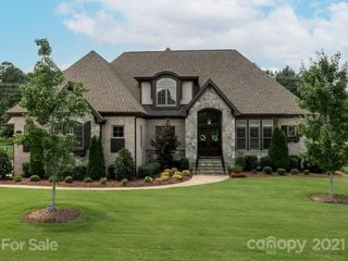 1608 Funny Cide Dr, Waxhaw, NC 28173