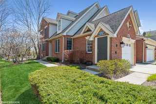 30 Red Tail Dr, Lake Zurich, IL 60047