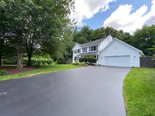 241 Concord Hill Dr, Altamont, NY 12009
