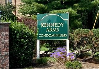 524 Kennedy Dr #524, Spring Valley, NY 10977