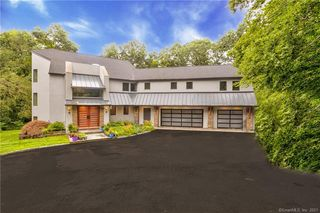 53 Cogswell Ln, Stamford, CT 06902
