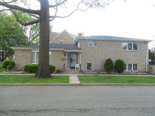 2300 S 10th Ave, Riverside, IL 60546