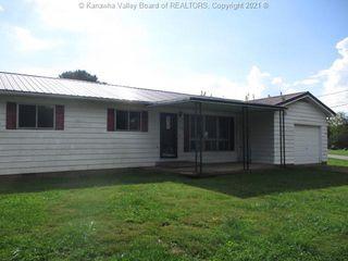 102 Cedar St, Letart, WV 25253