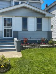 1254 E 169th St, Cleveland, OH 44110