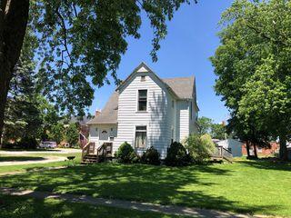 141 W Orleans St, Paxton, IL 60957