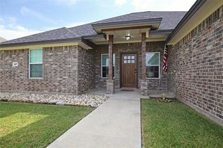 403 Jackson Ave, Clute, TX 77531