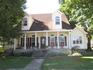 200 Temple Ave, Ellington, MO 63638