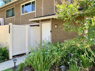 28713 Conejo View Dr, Agoura Hills, CA 91301