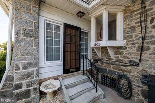 909 Marlyn Rd, Philadelphia, PA 19151