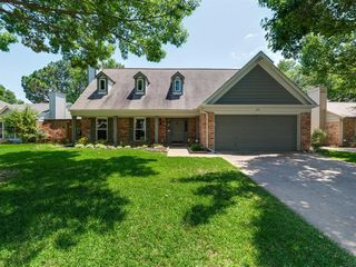 527 Chasewood Dr, Grapevine, TX 76051