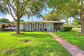 127 Dolphin Ave, Galveston, TX 77550
