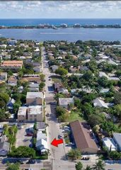 232 S L St, Lake Worth, FL 33460