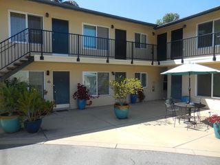 29 Broadmoor Plz #8, Santa Barbara, CA 93105