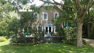 3 1st Pl, East Quogue, NY 11942