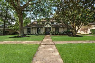 9007 Petersham Dr, Houston, TX 77031