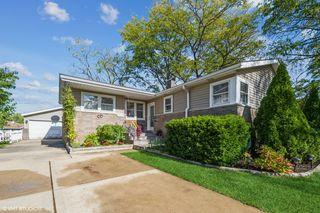 9004 W 89th St, Hickory Hills, IL 60457