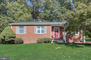 1325 Pleasant Valley Dr, Catonsville, MD 21228