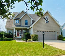 1535 Colonial Dr, Chesterton, IN 46304