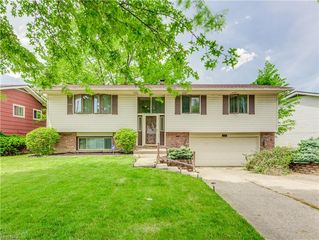 13731 Martin Dr, Garfield Heights, OH 44125