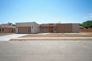 5327 Susy St SW, Albuquerque, NM 87105