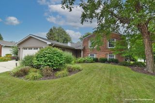 226 S Circle Ave, Bloomingdale, IL 60108