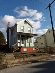 423 3rd Ave, Altoona, PA 16602