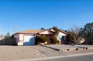 527 Archibeque Ave SE, Rio Rancho, NM 87124