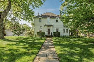 17314 Fernway Rd, Shaker Heights, OH 44120
