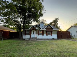 1127 Milner Rd, Irving, TX 75061