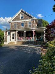 24 Findley Rd, Seward, PA 15954